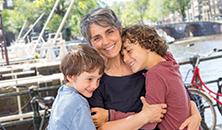 Fabiana Toni met haar kinderen
