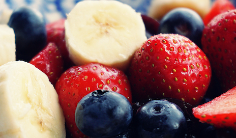 Aardbeien, bosbessen, banaan