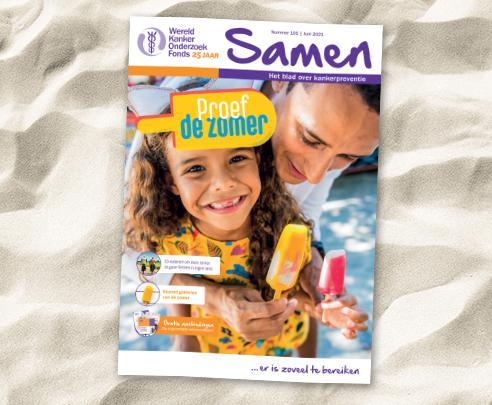 Omslag van magazine Samen op het strand