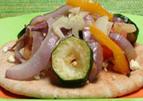 Pita pizza met geroosterde groenten