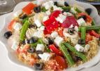 Lunchsalade met couscous en feta